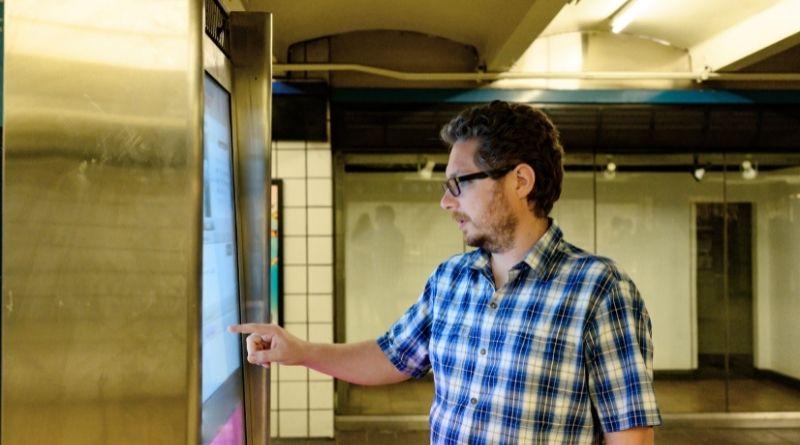 kiosk dan Digital Signage
